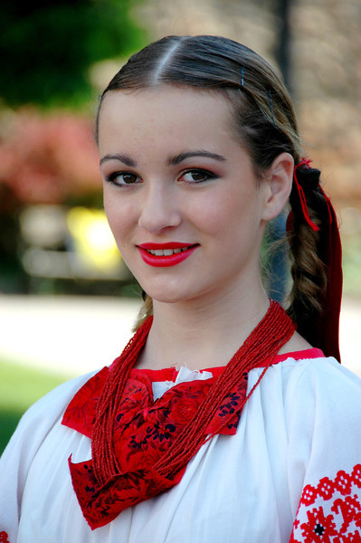 005-Zagreb-folk girl-DSC_3125