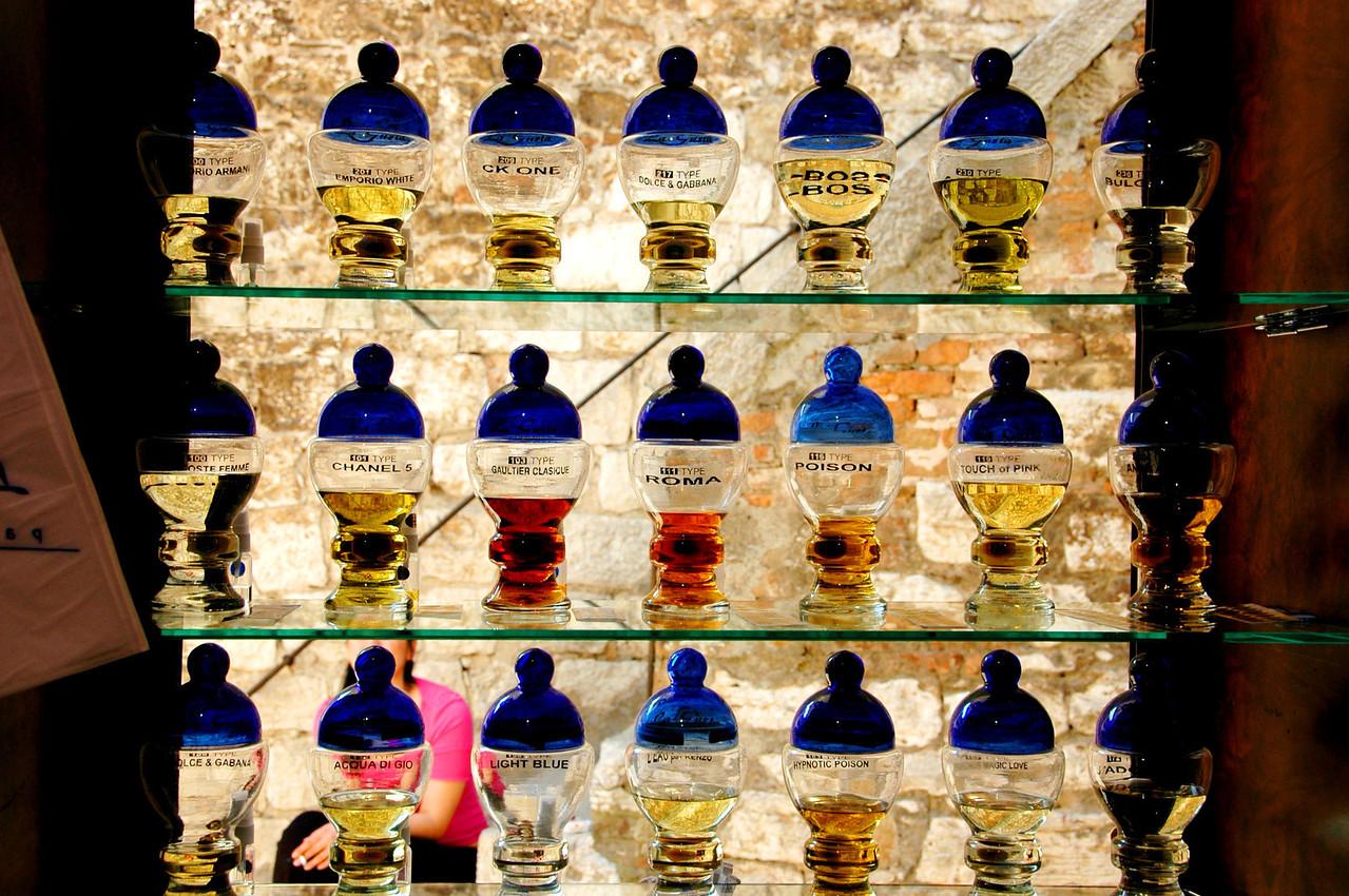 Rovinj-perfume shop-DSC_3558