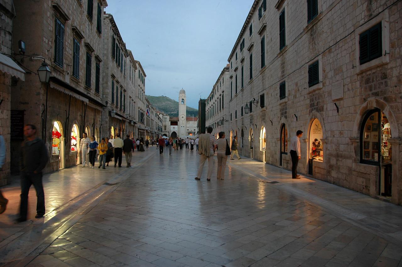 Dubrovnik-street-twilight-DSC_4332