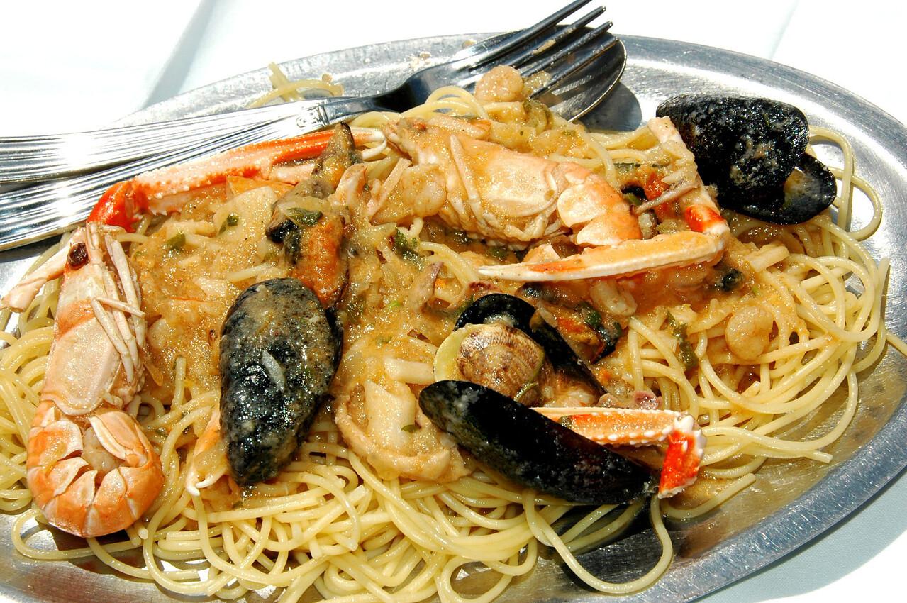 Suceraj-spaghetti-seafood-DSC_4167