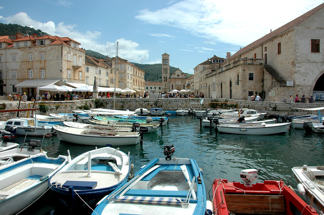 045-Hvar-harbor-cathedralDSC_4059