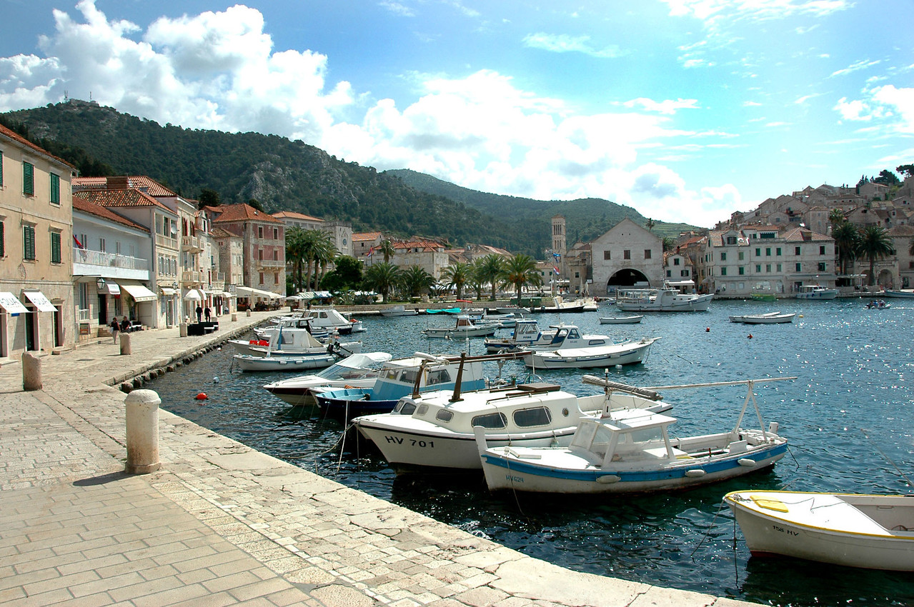 045-Hvar-waterfront-DSC_4055