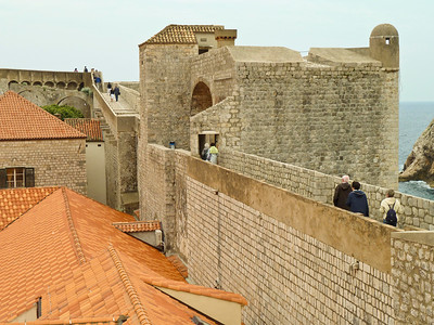 Walking the walls of the old city