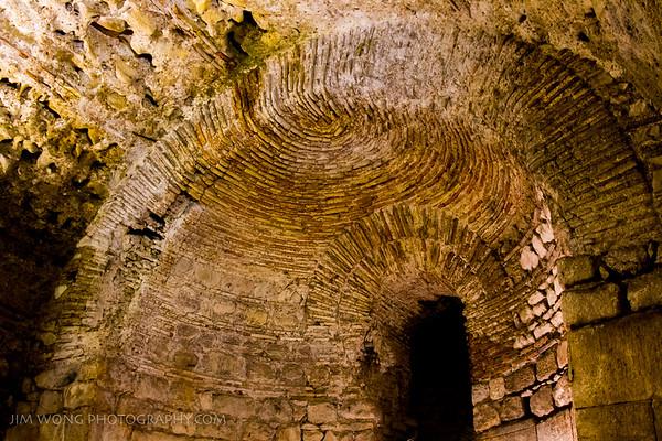 Catacomb arch, Split