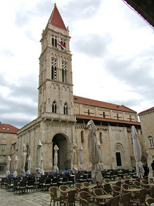 Torgir main church
