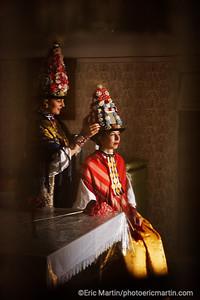 CROATIE. SLAVONIE. Village de Gorjani Preparatifs pour La procession (ici une repetition) de printemps des Ljelje/Kraljice (ou reines) de Gorjani. Une tradition inscrite  sur la Liste représentative du patrimoine culturel immatériel de l'humanité de l UNESCO