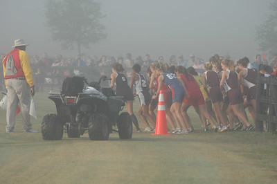 START SATURDAY, right about 8am, the 4A girls react to the starter's pistol. (Ok, you sharp-eyed exif data checkers - so I need to reset my camera's internal clock.) In case you can't tell from the photos, the early races were cool and foggy. Races in the late morning were sunny and very warm.