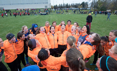 2017 - Macalester Women Cross Country run at MIAC Conference Championship at Saint Olaf   -- Copyright Christopher Mitchell / SportShotPhoto.com