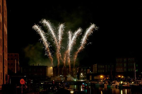 Glos_Fireworks031112_004