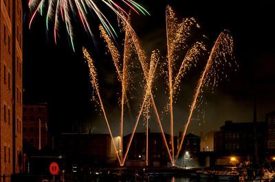 Glos_Fireworks031112_017