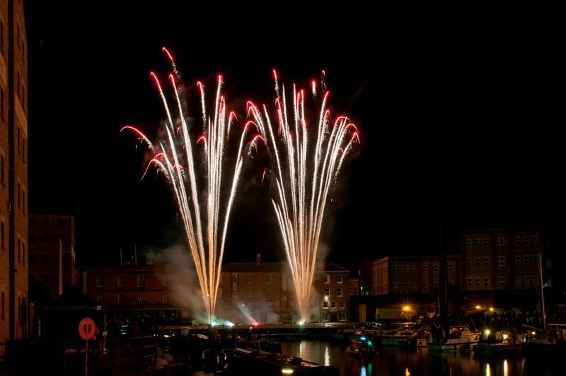 Glos_Fireworks031112_002