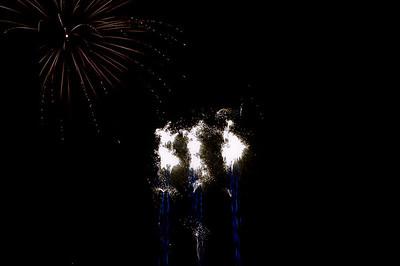 Glos_Fireworks031112_025