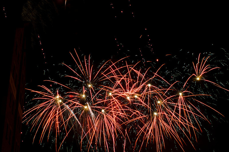 Glos_Fireworks031112_032