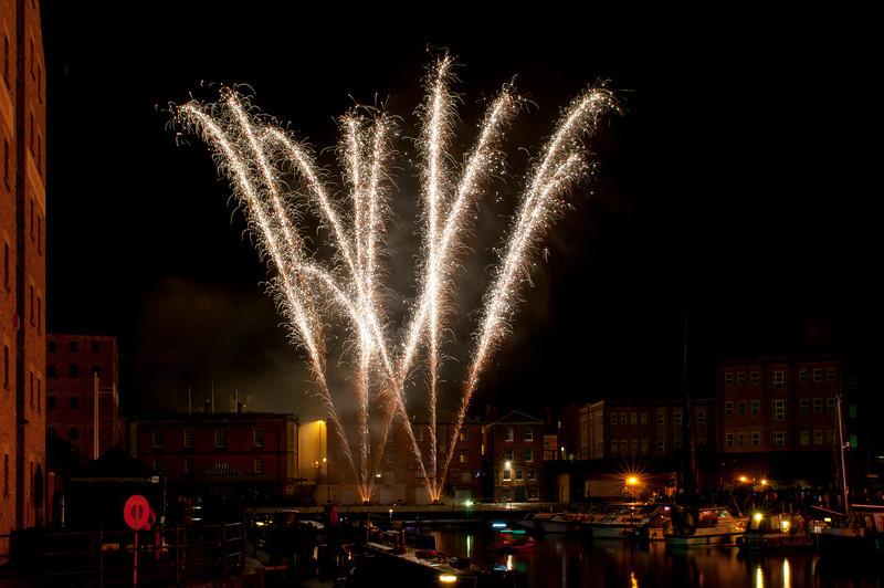 Glos_Fireworks031112_005