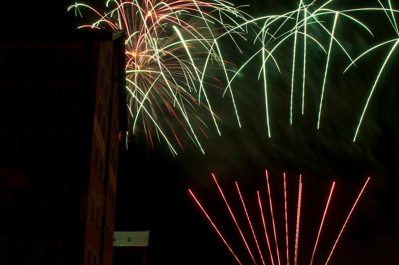 Glos_Fireworks031112_020