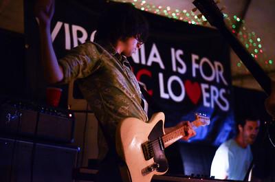 Charlie Glenn performs in Avers at Crowefest 2016