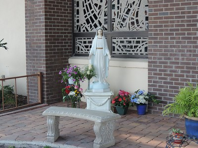 Crowning of Mary 2016