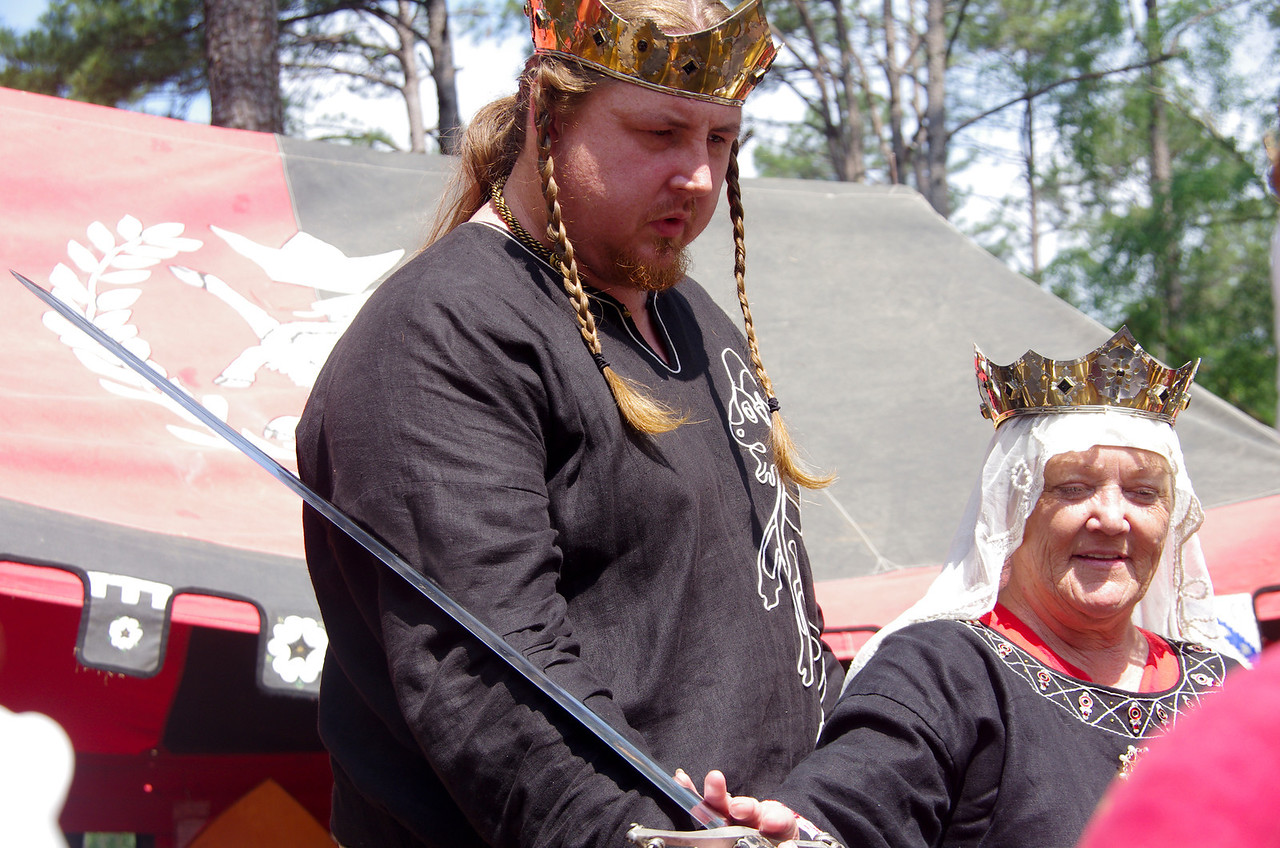 King Jon & Queen Emma