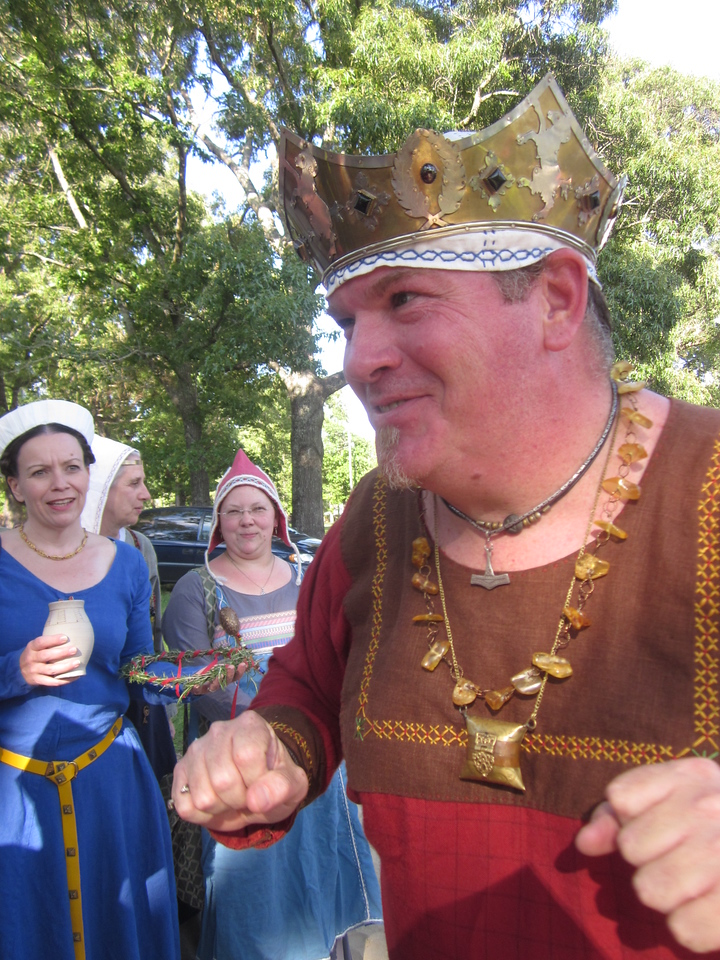 royal happy dance by King Uther
