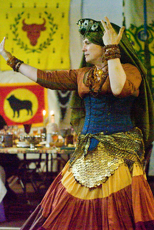 Mistress Isolde entertained with dance at feast.