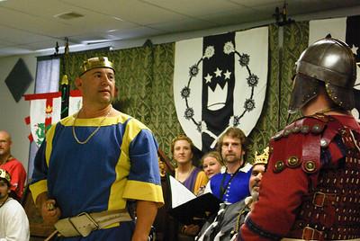 Count Angus brings grave news from Gleann Abhann