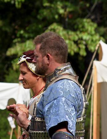 Master Sir Geoffrey Macdonhuill for Lady Isabella de Boyce