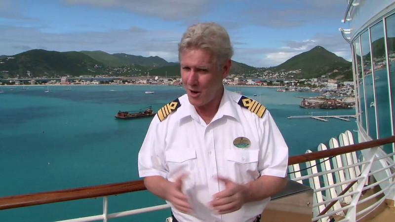 Best of Two Worlds: Oasis of the Seas arrives in St. Maarten (03/30/10)
