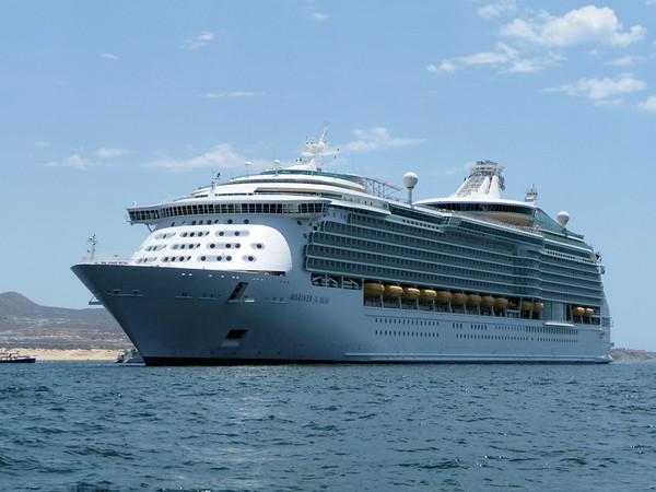 Cruise Ships & Ocean Liners