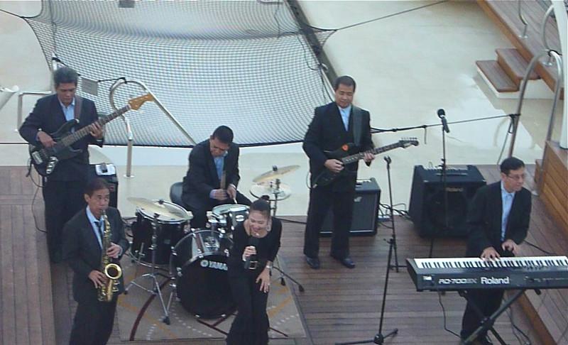 Seabourn Sojourn sail-away entertainment