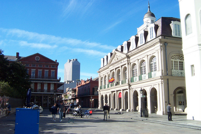 Next to the cathedral is the old city hall.  The papers finalizing the Louisiana Purchase were signed here.  The building is a museum now, but it wasn't open on Sunday morning.<br /> [New Orleans]
