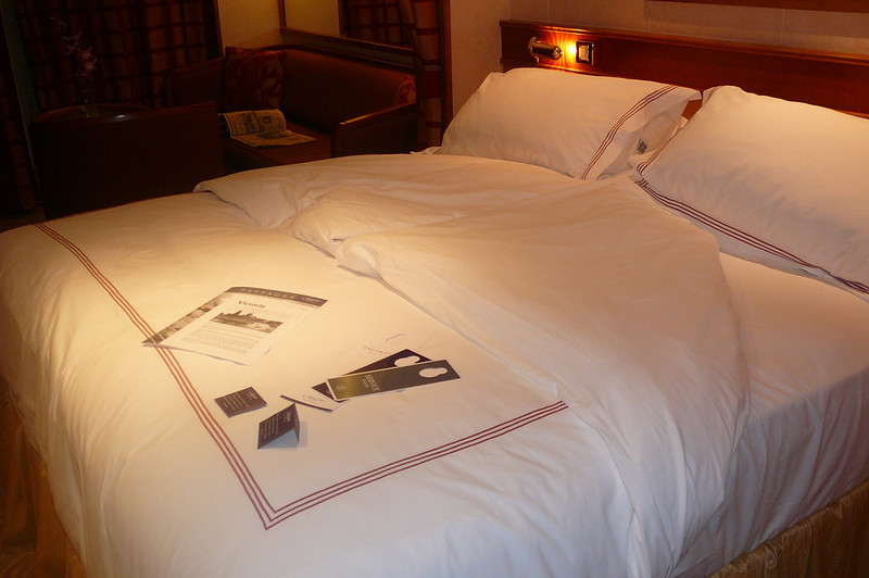 There's nothing better then coming back to a turned down bed & comfy Suite after a great Dinner & night of Entertainment!! :-) And don't forget about the tasty chocolates left on the bed as well... ummm! :-)