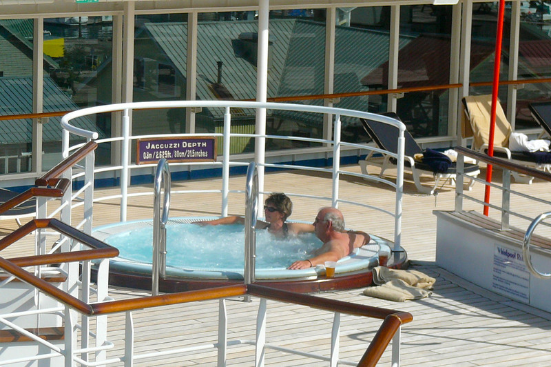 Jacuzzis, sun & a Beautiful day in Ketchikan... who knew. :-)