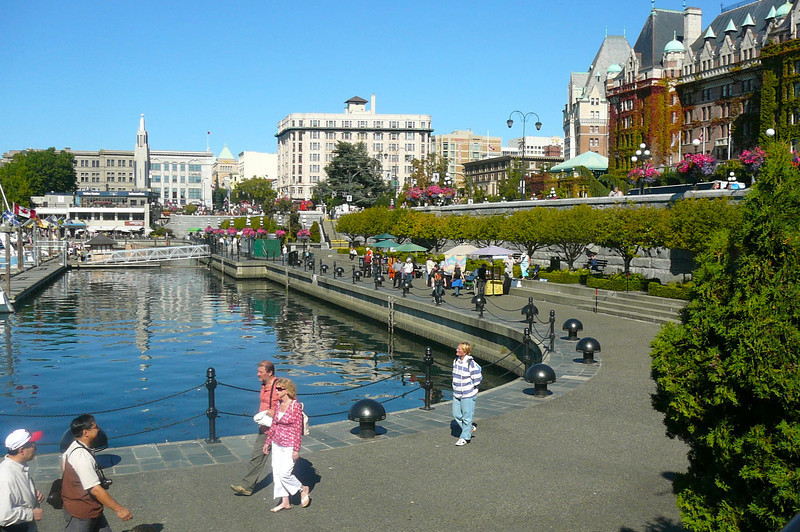Victoria's Harbor is a great place to walk around & enjoy a Beautiful Sunny day!!
