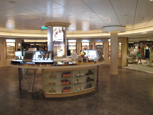 You can even buy/get your makeup done onboard at the Beauty Shop... no wonder all the ladies onboard looked so good! :-)