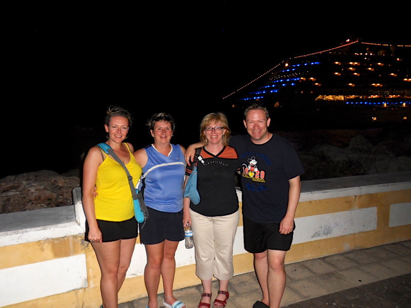 There we are with Shawn's sister Tanya (next to Shawn) & her roommate Sherry after enjoying a great evening of dinner & drinks in Curacao before heading back to the ship to sail to Aruba.