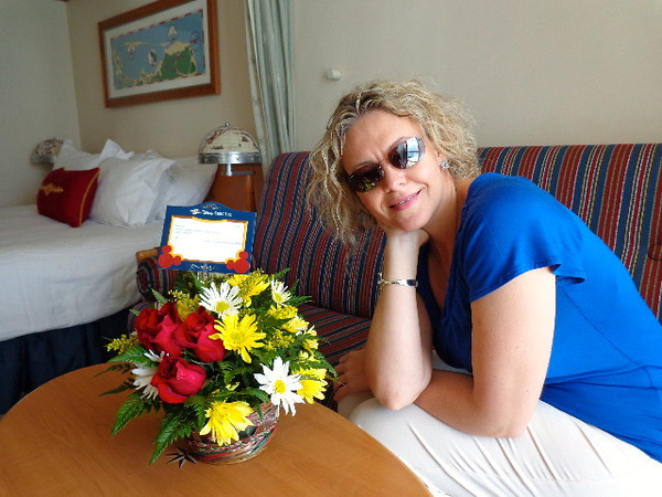 As we've mentioned many times before, Cruises are a great way to Celebrate special occasions... there's Nancy checking out the flowers Shawn surprised her with to celebrate our 5th Wedding Anniversary which we celebrated 2 days into our Cruise.