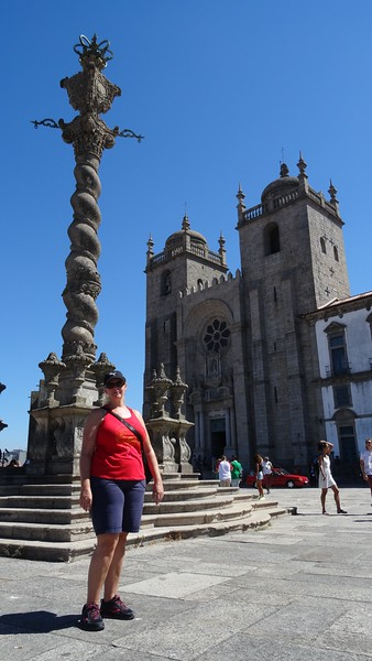 The Porto Cathedral is definitely a place you want to stop by... pretty impressive church as so many are in Europe!