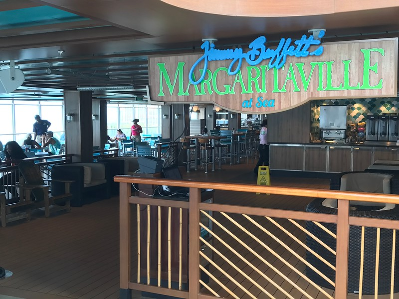 """Like on all Norwegian ships """"Escape"""" has lots of restaurants to choose from like Cagney's Steakhouse, La Bistro French, La Cucina Italian & Teppanyaki... but being Norwegian's newest ship it has some unique places to eat & drink as you'll see in the next few pics."""