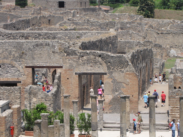 After a great lunch in Salerno that was included in our all day tour (Italian Wine & Sparkling Wine included) we headed off to see the Ancient ruins of Pompeii... pretty incredible place!!