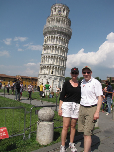 After a great morning in Florence and another great Italian lunch it was off to visit Pisa to see the Famous Tower... and it's true, it leans!! :-)