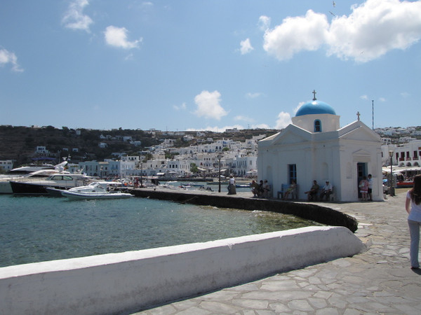Cute little churches, waterlines and great Weather... anytime Mykonos is on your Itinerary enjoy... what a great place!!