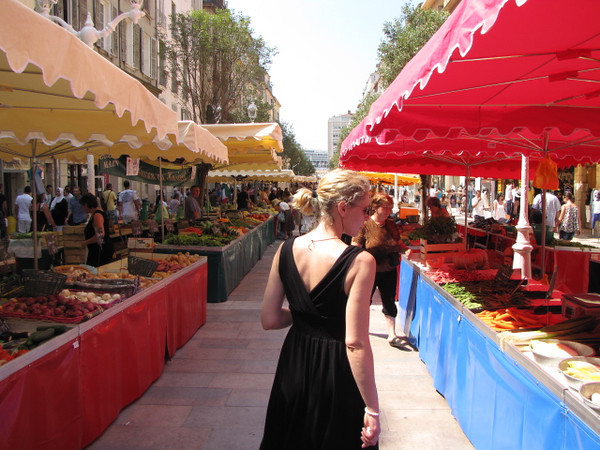 They have a really nice outdoor Market just up from the ship in Toulon, make sure to stop in. There's Nancy checking out all the local cuisine... she had a field day in the Olives section!! :-)
