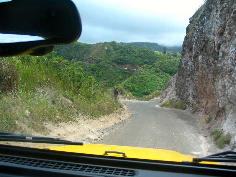 As we mentioned, the drive around Maui's north-shore is amazing but one you have to do with caution. It was one lane for the most part as you can see here... lots of fun though! :-)