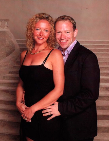 One of our favorite parts about Cruising is getting dressed up and having our pictures taken every night... and no sitting fees... imagine that! :-) And then we buy only the ones we like... like this one for instance. :-)