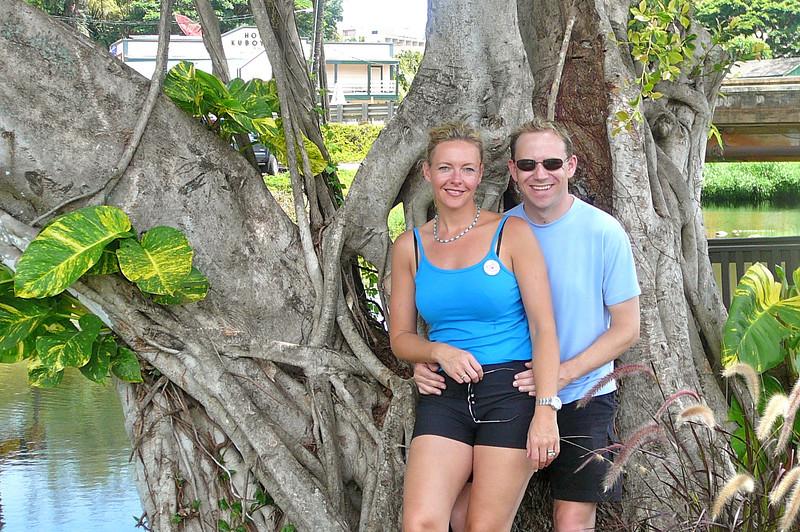 Yep... we're definitely Happy to be enjoying another Hawaiian day!! :-)