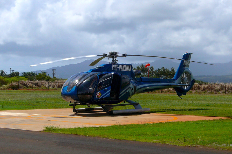 Last year we went around the whole Island of Kauai by vehicle so we knew for sure we'd have to do a Helicopter ride this year because we knew if it looked so great from the ground, by air sure wasn't going to disappoint us. :-)