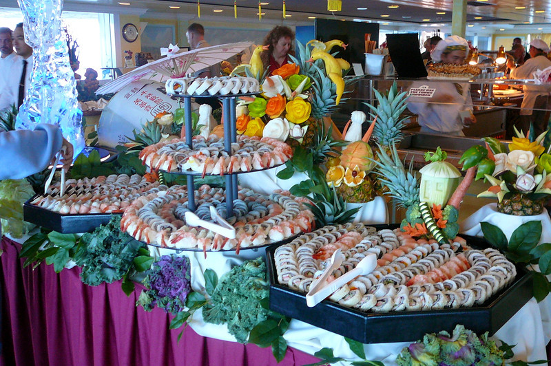 Everyday, lunch was a different themed Buffet. Check out the Sushi that highlighted day # 3's feast... ummm!!