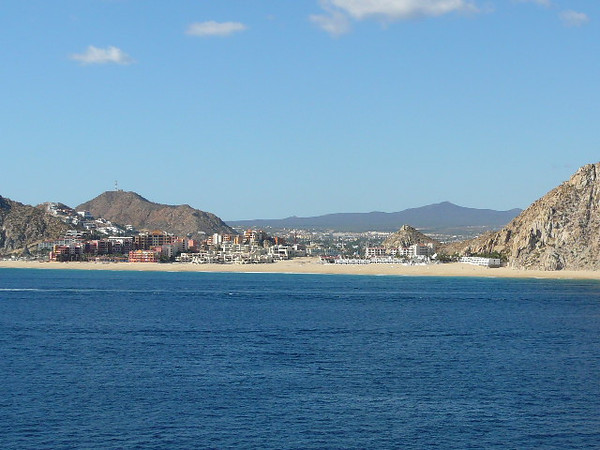 As we set sail from Cabo San Lucas to head back to LA we had some great views of the Beautiful beaches and homes that line the Cabo Coastline.