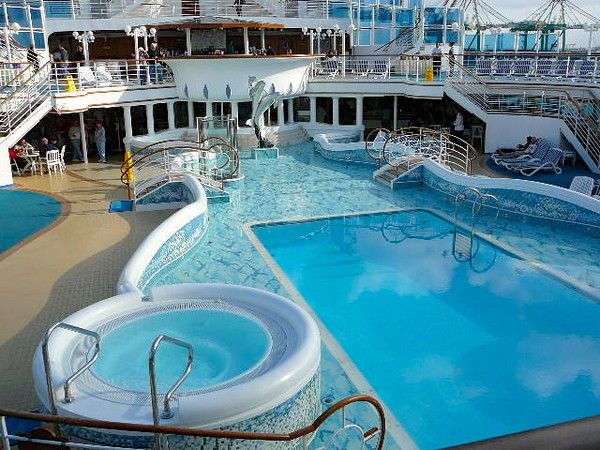 """There's one of the 2 main pools on the """"Diamond""""... there's 4 pools onboard all together so lots of places to """"take a dip"""". :-)"""