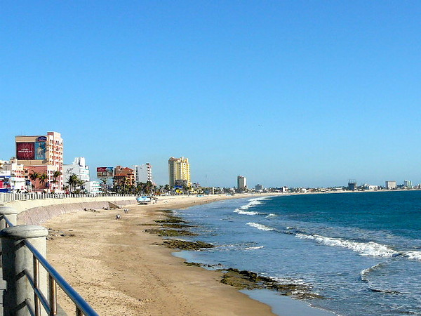 What a Beautiful day we had in Mazatlan. Lucky for us there were lots of Beaches to help us enjoy it.